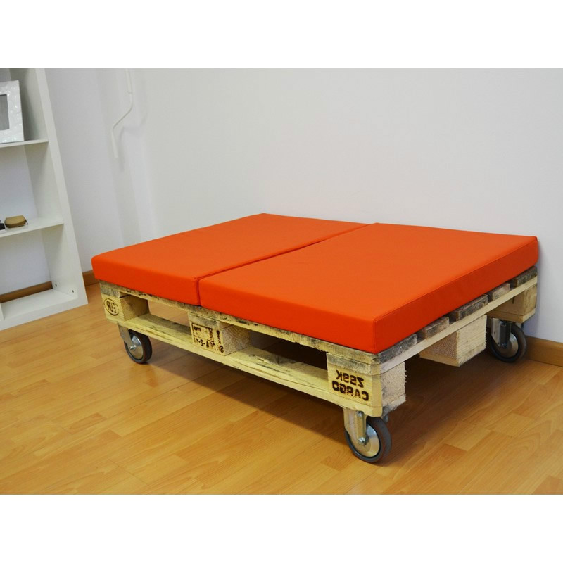 Palet puff con ruedas y dos almohadas casaytextil - Muebles exterior palets ...