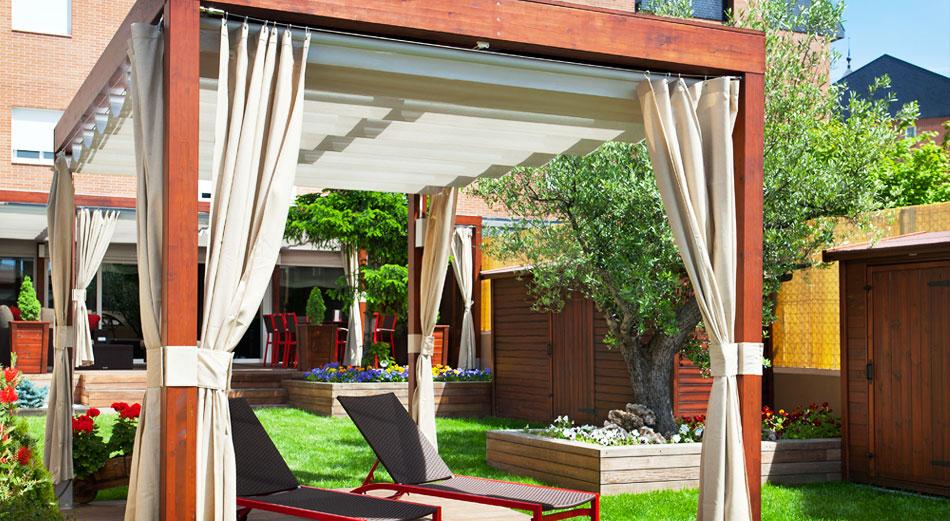 C mo decorar tu terraza y ser la envidia de tus vecinos - Cortinas pergola ...