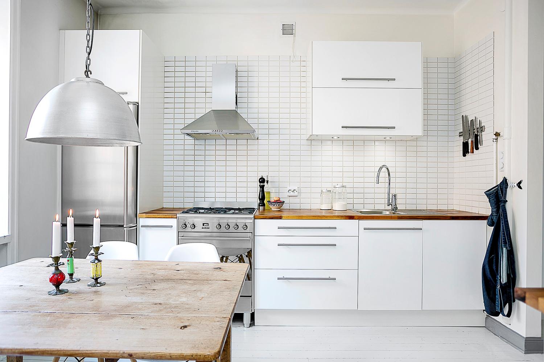 C mo decorar una cocina blanca todos los trucos for Cocina blanca y suelo gris