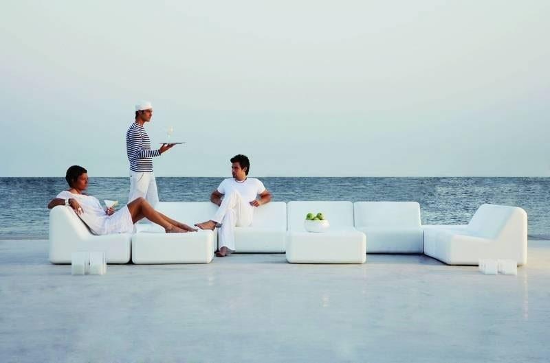 Puffs de pera y muebles de palets para jardín, piscinas y playas